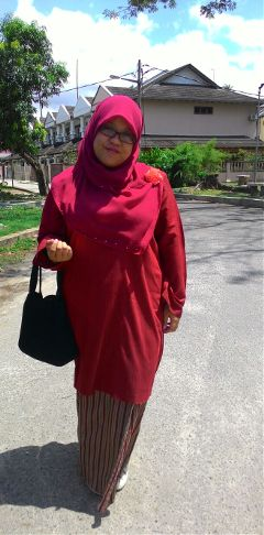 ootd red wedding