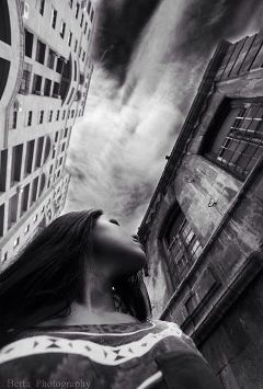 city photography black interesting selfie portriat building old new sky