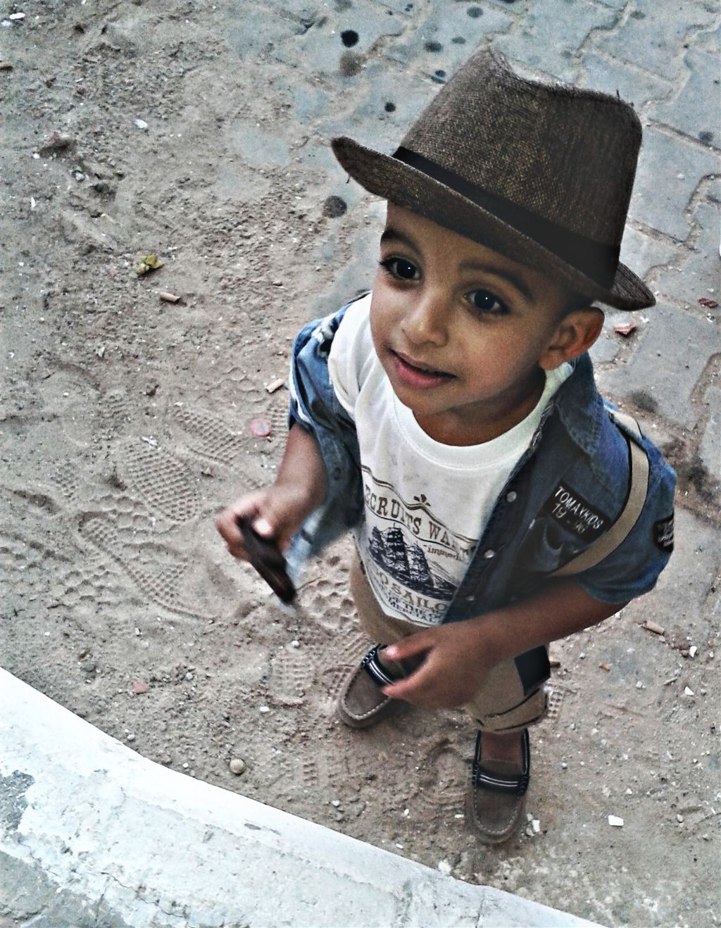 My brother :v