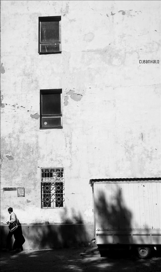 #photography #streetphotography #blackandwhite #window #wall #people #elista